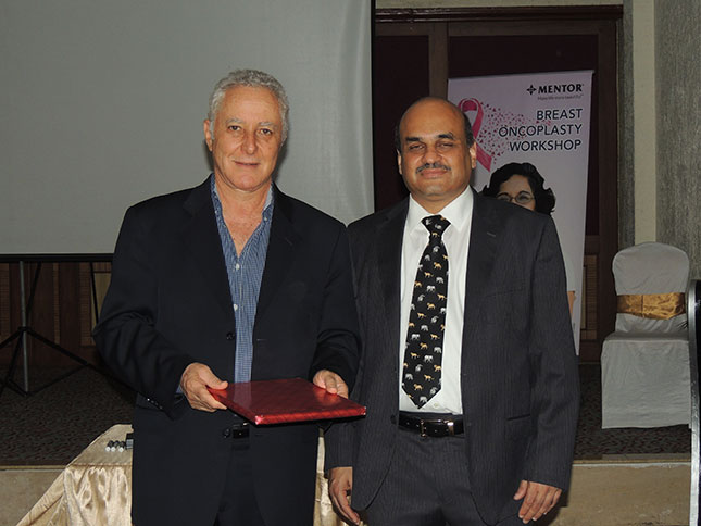 Award-presented-to-Dr-B-in-Pune-India-for-his-workshop-presentation