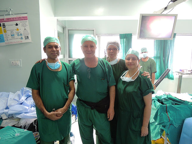 Dr-B-with-surgeons--in-Deli-India-