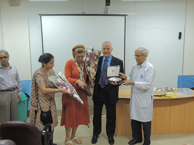 Flowers-presented-to-Janet-Cohen-surgical-assistant